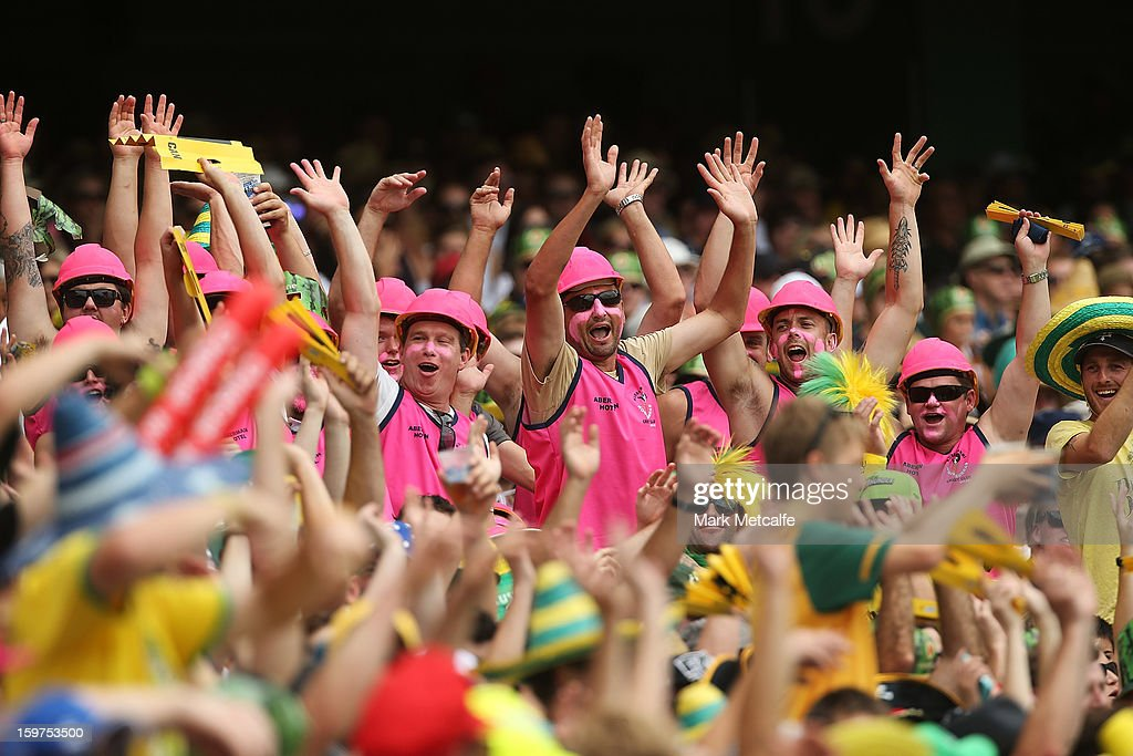 Fans attempt to start a mexican wave during game four of the Commonwealth Bank one day international series between Australia and Sri Lanka at Sydney Cricket Ground on January 20, 2013 in Sydney, Australia.
