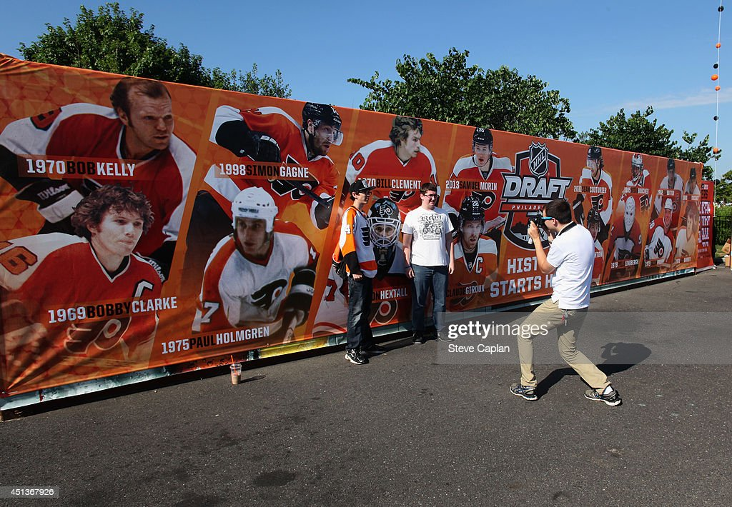 Fans attend the Fan Fest as part of the 2014 NHL Entry Draft at the Wells Fargo Center on June 27, 2014 in Philadelphia, Pennsylvania.