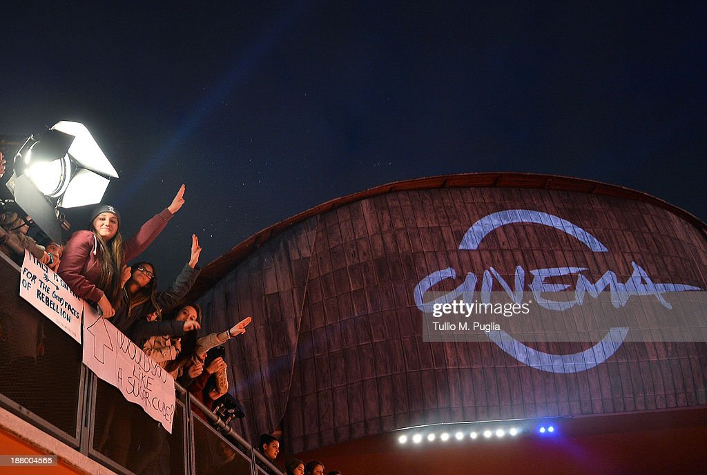 Fans attend the 'The Hunger Games: Catching Fire' Premiere during The 8th Rome Film Festival at Auditorium Parco Della Musica on November 14, 2013 in Rome, Italy.