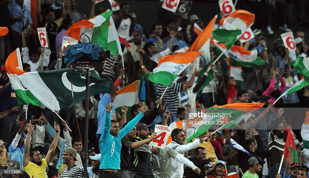 Fans celebrates  Indian cricketer Gautam : News Photo