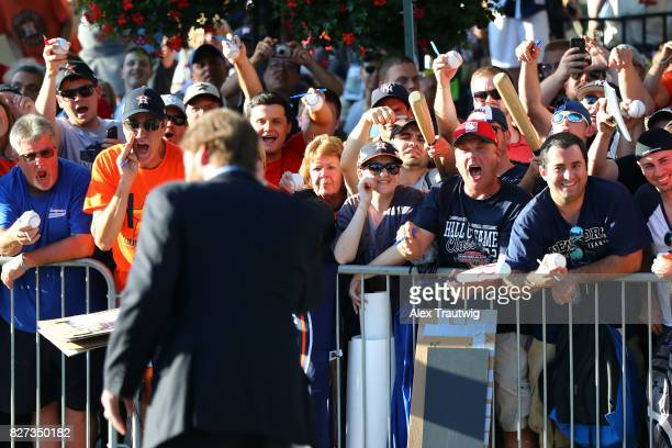 Fans cheer as Hall of Famer Wade Boggs arrives during the 2017 Hall of Fame Parade of Legends at the National Baseball Hall of Fame on Saturday July...