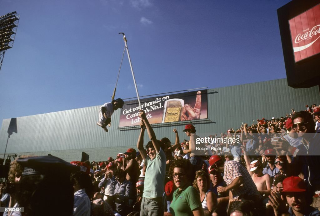 Fans cheer during the Boston Red Sox game against the New York Yankees at Fenway Park on October 2, 1978 in Boston, Massachusetts.