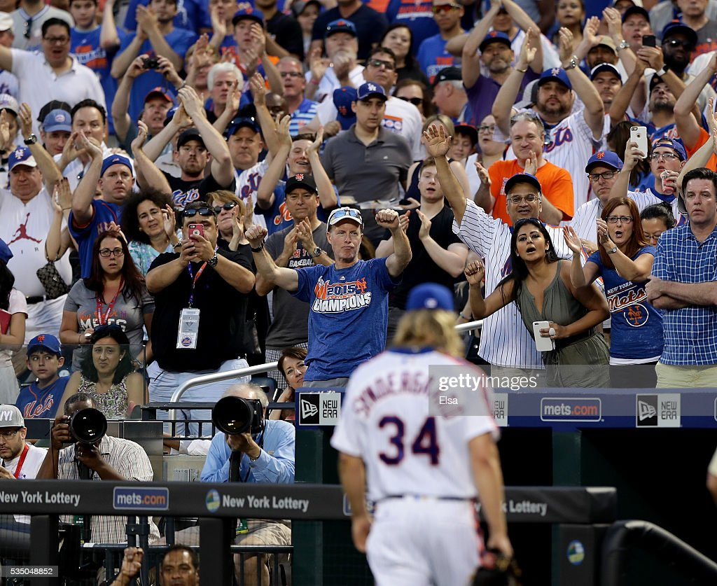 Fans cheer for Noah Syndergaard #34 of the New York Mets after he was tossed from the game for brushing back Chase Utley #26 of the Los Angeles Dodgers in the third inning at Citi Field on May 28, 2016 in the Flushing neighborhood of the Queens borough of New York City.The New York Mets are honoring the 30th anniversary of the 1986 championship season.