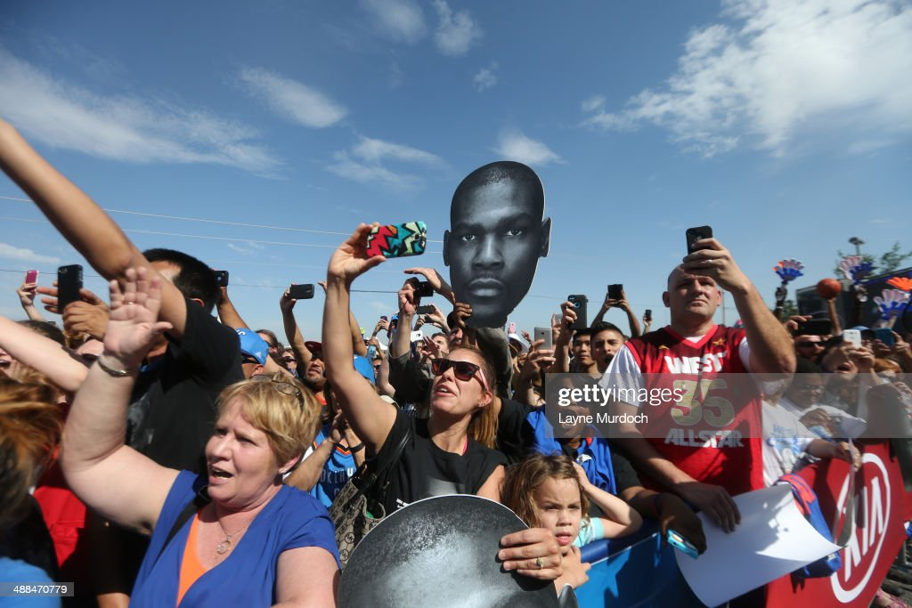 Fans cheers for Kevin Durant of the Oklahoma City Thunder at the 2013-14 KIA Player of the Year award after the press conference on May 6, 2014 at the Thunder Events Center in Edmond, Oklahoma.