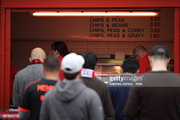 Fish and chips shop foto e immagini stock getty images for Fish fast food near me