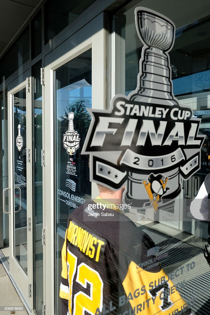 Fans enter Consol Energy Center prior to Game One of the 2016 NHL Stanley Cup Final between the Pittsburgh Penguins and the San Jose Sharks on May 30, 2016 in Pittsburgh, Pennsylvania.