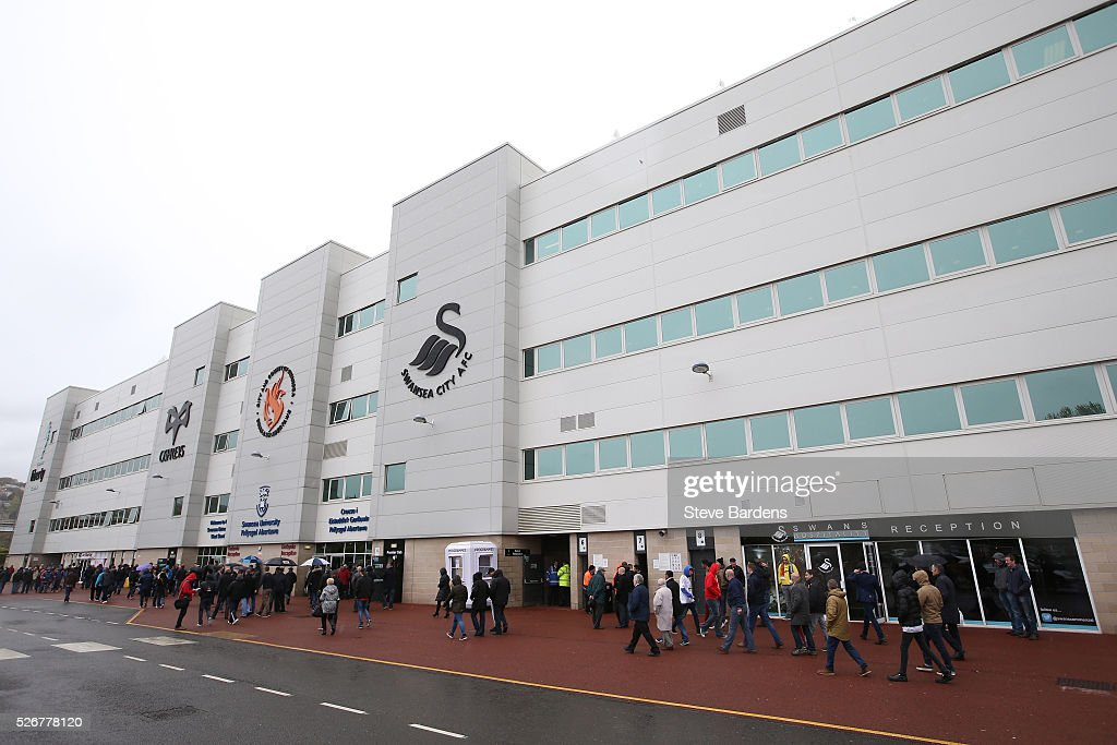 Fans gather outside the ground prior to the Barclays Premier League match between Swansea City and Liverpool at The Liberty Stadium on May 1, 2016 in Swansea, Wales.