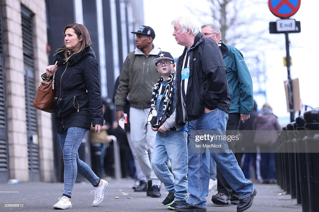 Fans make their way to the stadium prior to kickoff during the Barclays Premier League match between Newcastle United and Crystal Palace at St James' Park on April 30, 2016 in Newcastle upon Tyne, England.