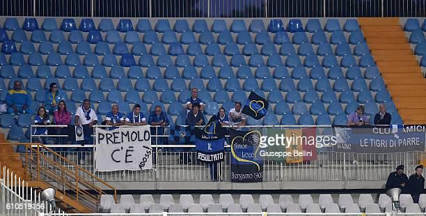 Fans of Atalanta BC during the Serie A match between FC Crotone and Atalanta BC at Adriatico Stadium on September 26 2016 in Pescara Italy