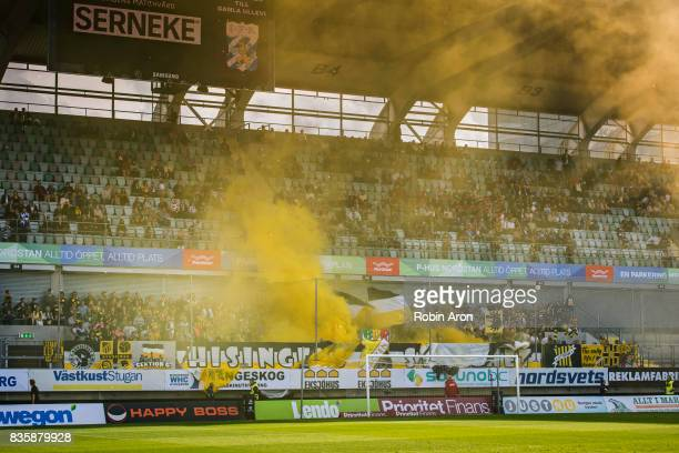 Fans of BK Hacken burning bengals before the Allsvenskan match between IFK Goteborg and BK Hacken at Gamla Ullevi on August 20 2017 in Gothenburg...