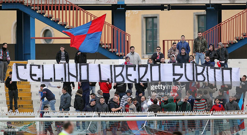 Fans of Catania during the Serie A match between Calcio Catania and Bologna FC at Stadio Angelo Massimino on February 17, 2013 in Catania, Italy.