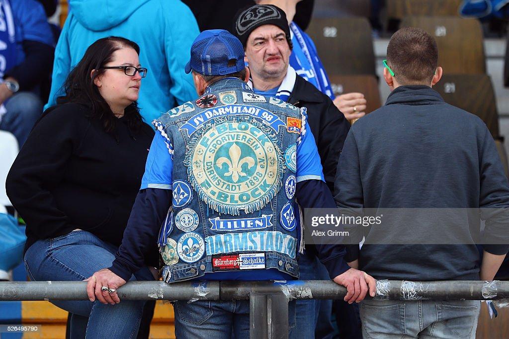 Fans of Darmstadt wait for the Bundesliga match between SV Darmstadt 98 and Eintracht Frankfurt at Merck-Stadion am Boellenfalltor on April 30, 2016 in Darmstadt, Hesse.