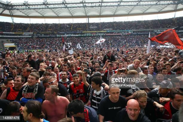 Fans of Frankfurt celebrat the ascent to the 1 Bundesliga aft the Second Bundesliga match between Eintracht Frankfurt and 1860 Muenchen at...