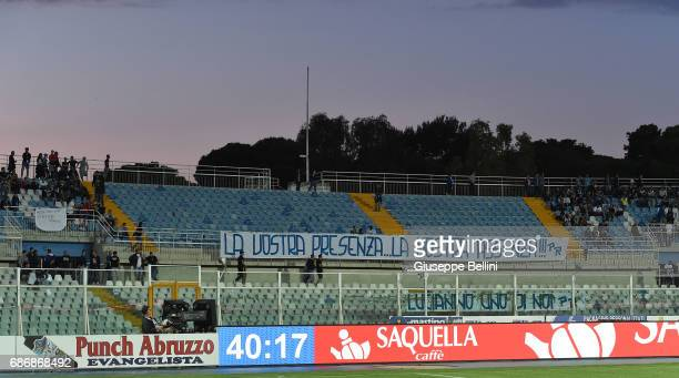 Fans of Pescara Calcio during the Serie A match between Pescara Calcio and US Citta di Palermo at Adriatico Stadium on May 22 2017 in Pescara Italy
