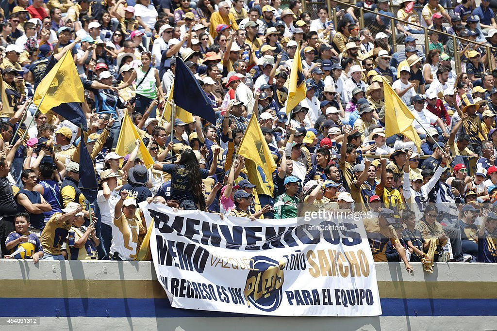 Fans of Pumas UNAM display a banner welcoming Guillermo Vázquez as new coach during a match between Pumas UNAM and Xolos Tijuana as a part of 6th round Apertura 2014 Liga MX at Olimpic Stadium on August 24, 2014 in Mexico City, Mexico.