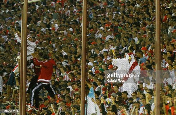 Fans of River Plate cheer for their team prior a match between Lanus and River Plate as part of Torneo Primera Division 2016/17 at Ciudad de Lanus...