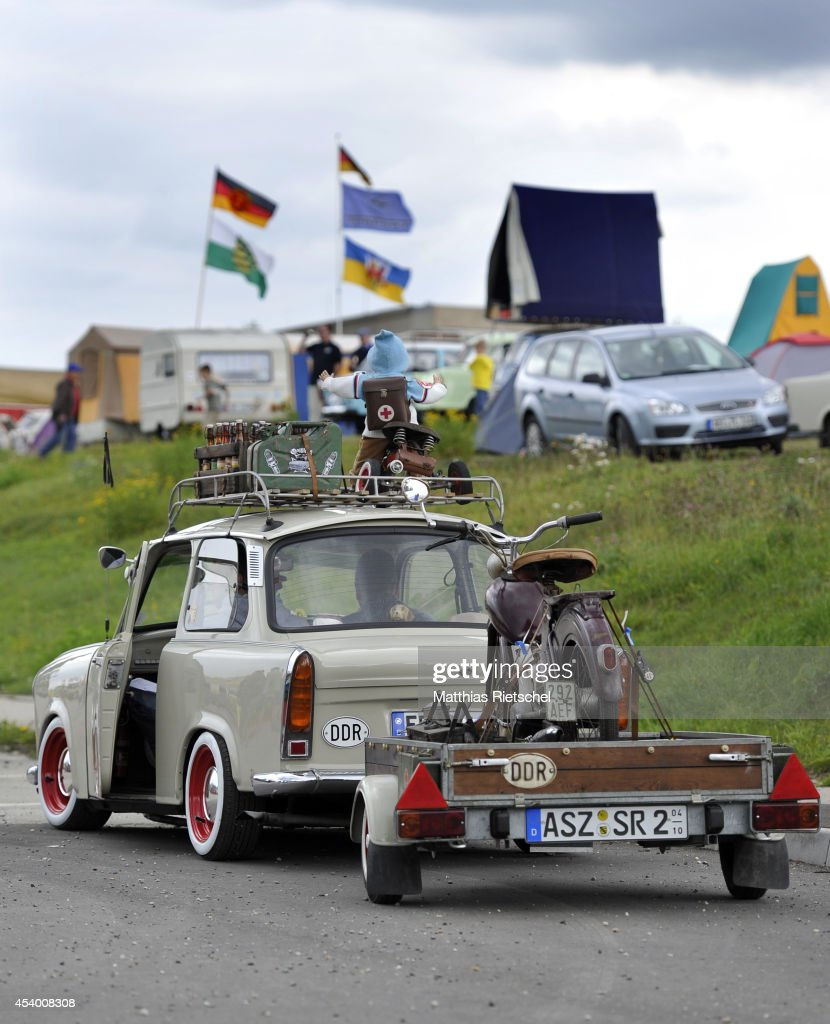 Colored cars zwickau - Fans Of The East German Trabant Car Gather For Their 7th Annual Get Together On