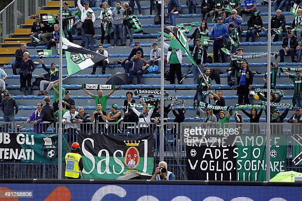 Fans of US Sassuolo Calcio during the Serie A match between Empoli FC and US Sassuolo Calcio at Stadio Carlo Castellani on October 4 2015 in Empoli...