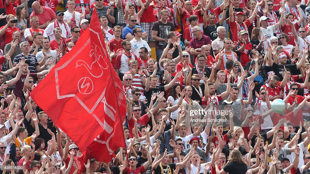Fans of Zwickau duringthe Regionalliga Playoff Second Leg match between FSV Zwickau and SV Elversberg on May 29, 2016 in Plauen, Germany.