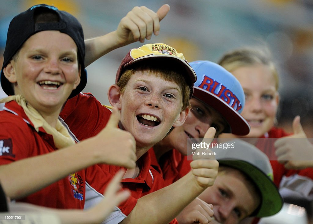 Fans show their support during the Ryobi One Day Cup match between the Queensland Bulls and the Western Australia Warriors at The Gabba on February 2, 2013 in Brisbane, Australia.