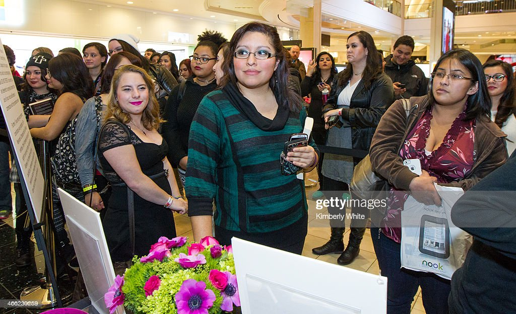 Fans wait in line to meet the cast of Vampire Academy at Westfield San Francisco Centre on January 31, 2014 in San Francisco, California.