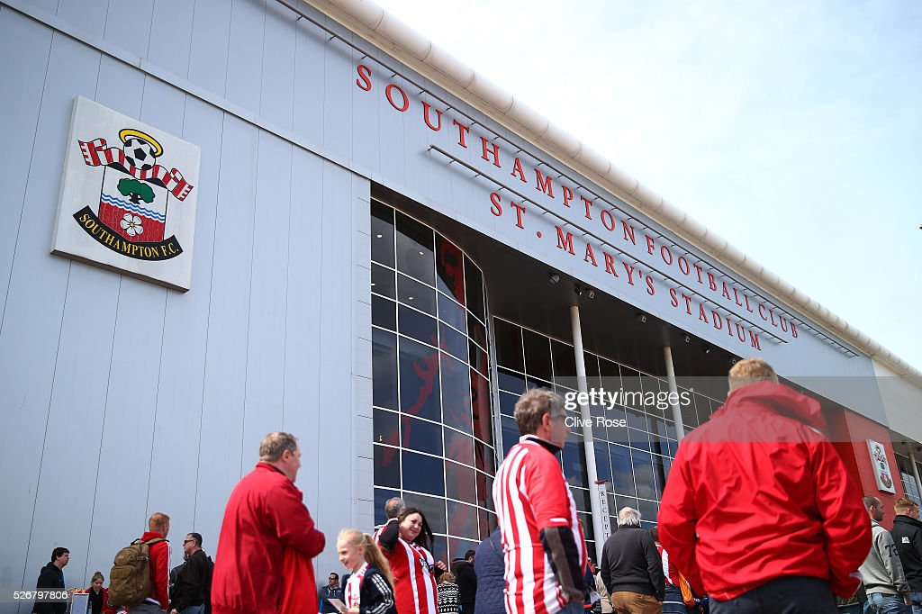 Fans walk outside the stadium prior to the Barclays Premier League match between Southampton and Manchester City at St Mary's Stadium on May 1, 2016 in Southampton, England.