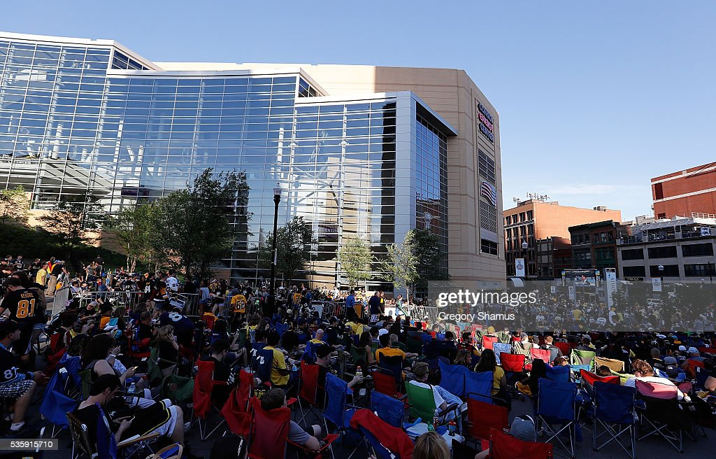 Fans watch the big screen outside of the Consol Energy Center prior to Game One of the 2016 NHL Stanley Cup Final between the San Jose Sharks and the Pittsburgh Penguins at Consol Energy Center on May 30, 2016 in Pittsburgh, Pennsylvania.