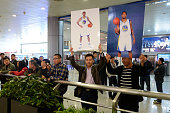 Fans welcome former NBA player Jeremy Tyler arriving at Taiyuan Wu Xu International Airport for his 201415 season for Shanxi Zhongyu of the Chinese...