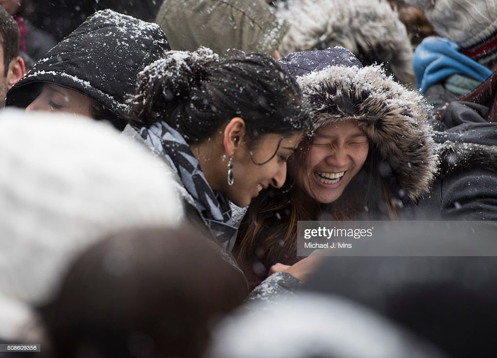 Fans with in the snow for Joseph Gordon-Levitt to be introduced as the Hasty Pudding Theatricals 2016 Man Of The Year on February 5, 2016 in Cambridge, Massachusetts.