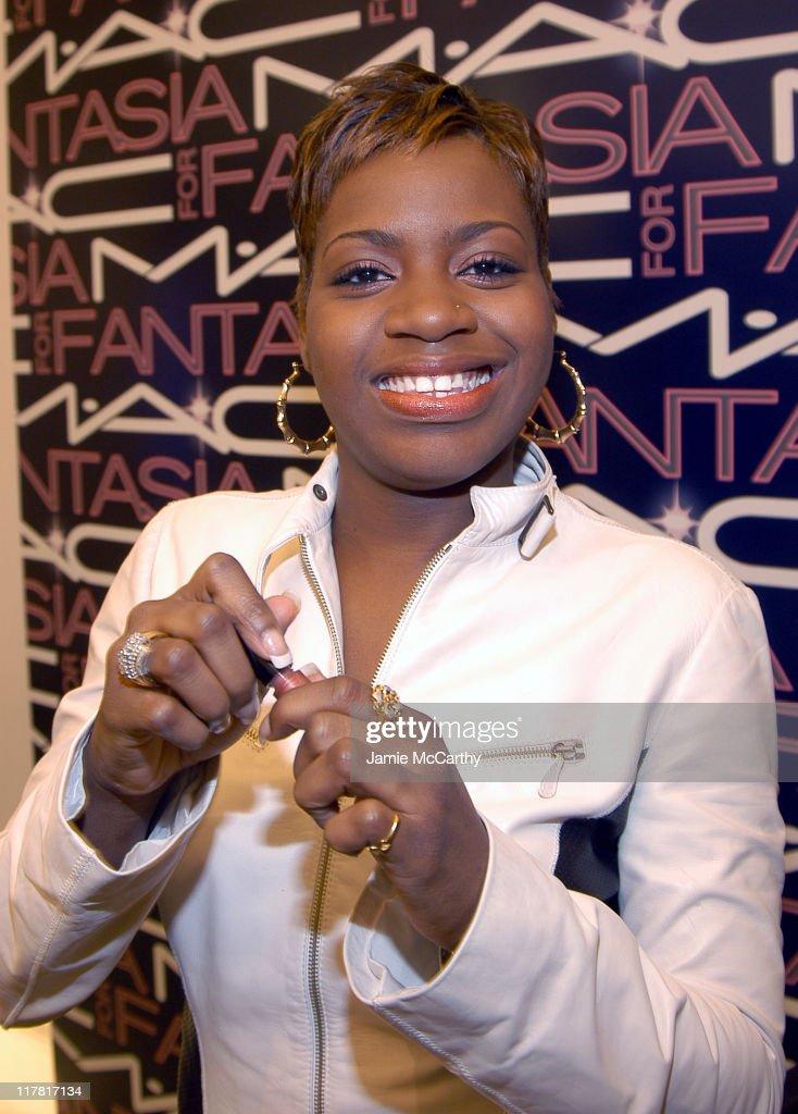 """American Idol"" Winner Fantasia Barrino Launches Two New MAC Lipgloss Shades in"