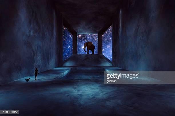 Fantasy éléphant marchant dans le vaisseau spatial