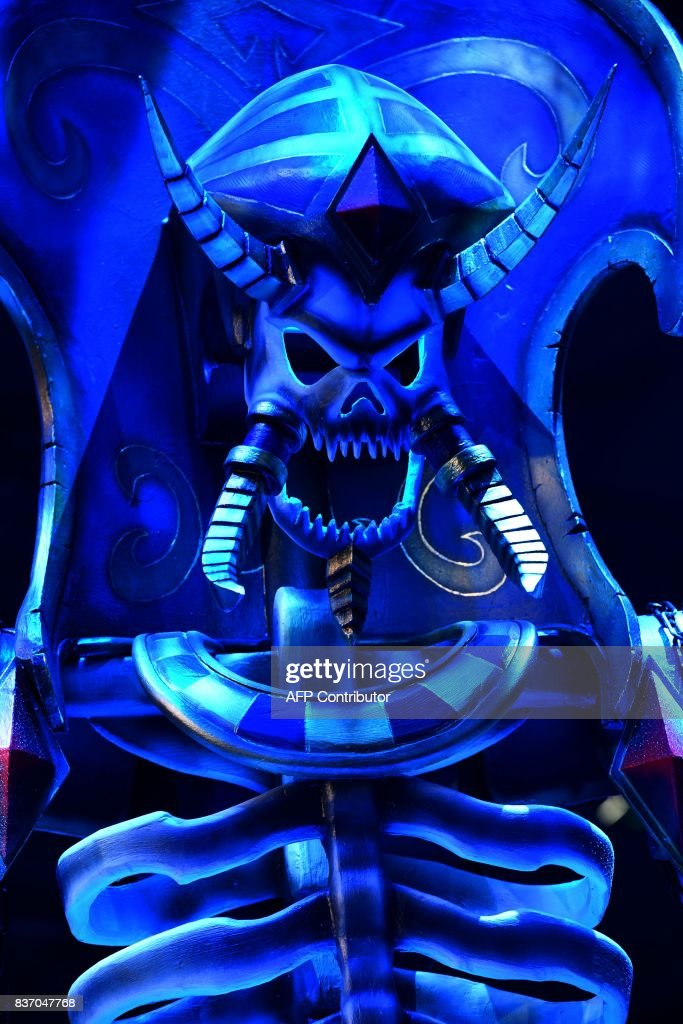 Fantasy game characters are seen during gaming fair 'gamescom' in Cologne, western Germany on August 22, 2017. /