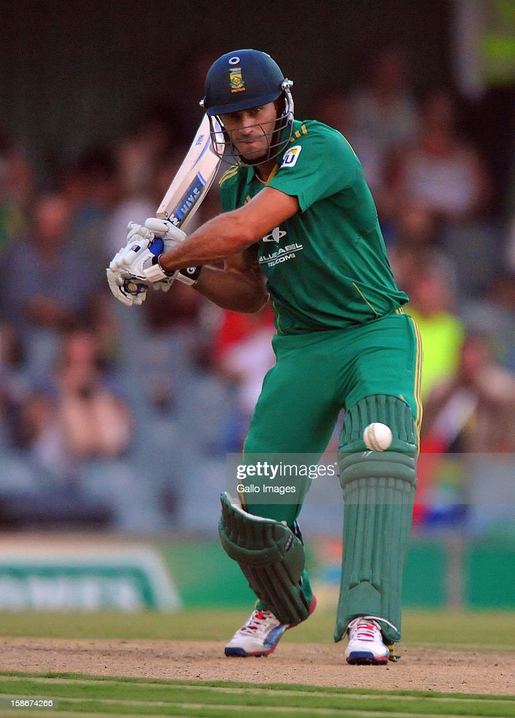 far du Plessis of South Africa about to drive a delivery during the 2nd T20 match between South Africa and New Zealand at Buffalo Park on December 23, 2012 in East London, South Africa.