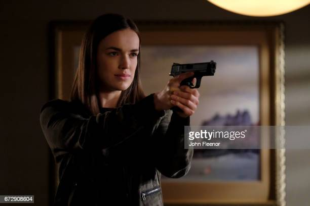 S AGENTS OF SHIELD 'Farewell Cruel World' The clock is ticking for Daisy and Simmons to get the team out of the Framework but not everyone is ready...