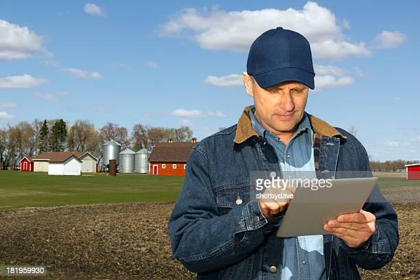 Agriculteur et tablette