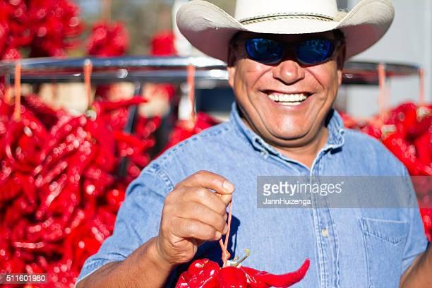 農家ホークスチリペッパー・リストラス、サンタフェのファーマーズマーケット