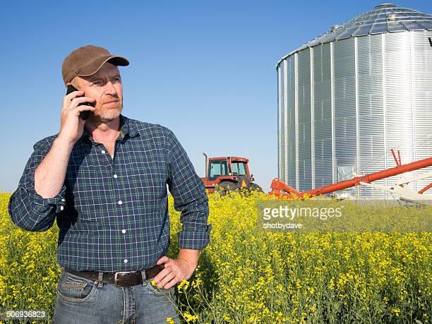 Agriculteur faire un appel