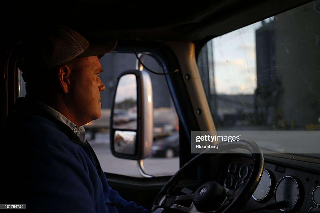 Farmer Ray Tucker delivers a truckload of harvested corn to be sold at the Consolidated Grain & Barge Co. facility in Jeffersonville, Indiana, U.S., on Tuesday, Sept. 24, 2013. Private exporters reported to the U.S. Department of Agriculture (USDA) export sales of 197,200 metric tons of corn for delivery to Mexico during the 2013 and 2014 marketing year. Photographer: Luke Sharrett/Bloomberg via Getty Images
