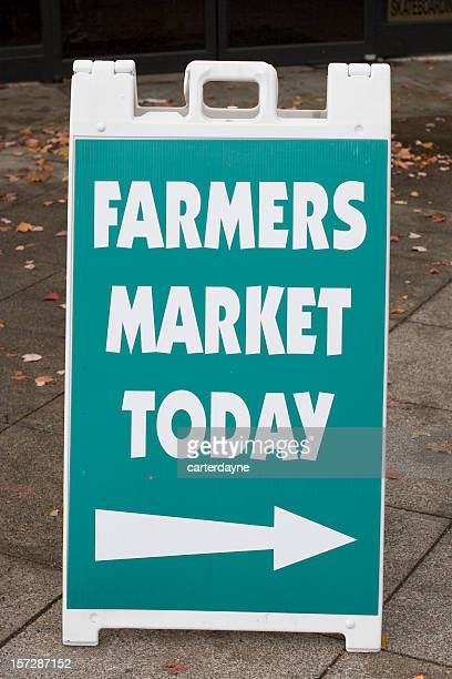 farmers market today sign, arrow right