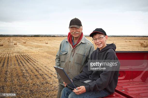 Farmers with Computer