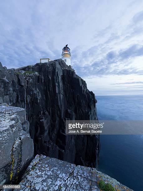 Faro on a cliff in Skye's island
