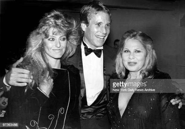 Farrah Fawcett Ryan O'Neal and agent Sue Mengers at party for Palomo Picasso at Studio 54