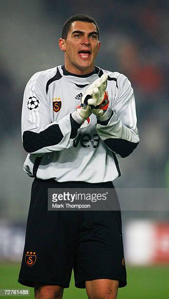 Faryd Mondragon of Galatasaray in action during the UEFA Champions League group C match between Galatasaray and Liverpool at the Ataturk stadium on...