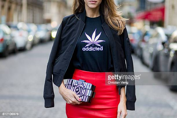 Fashion blogger and model Alexandra Lapp wearing a red pencil skirt from American Retro Jerzees Addicted tshirt Chanel bag Addidas sneacker HM socks...