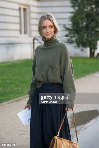 Fashion blogger Charlotte Groeneveld wears all Chloe on day 3 during Paris Fashion Week Autumn/Winter 2017/18 on March 2 2017 in Paris France...
