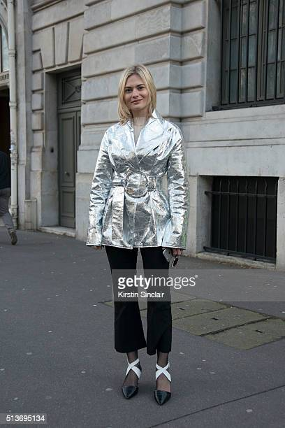 Fashion Blogger Pandora Sykes wears a Rejina Pyo jacket and Louis Vuitton shoes on day 3 during Paris Fashion Week Autumn/Winter 2016/17 on March 3...