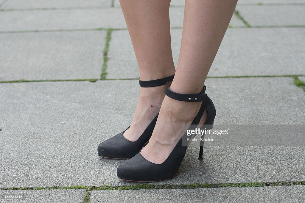 Fashion blogger Tania Braukamper wearing And Other Stories shoes on day 9 of Paris Fashion Week Spring/Summer 2014, Paris October 02, 2013 in Paris, France.