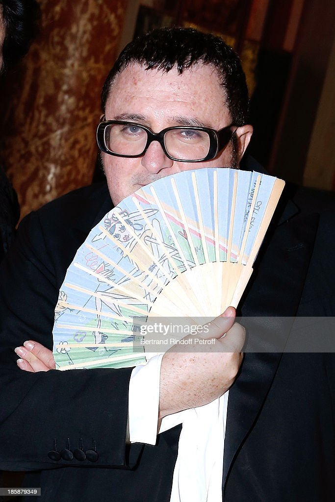 Fashion Designer <a gi-track='captionPersonalityLinkClicked' href=/galleries/search?phrase=Alber+Elbaz&family=editorial&specificpeople=783481 ng-click='$event.stopPropagation()'>Alber Elbaz</a> - Designer <a gi-track='captionPersonalityLinkClicked' href=/galleries/search?phrase=Alber+Elbaz&family=editorial&specificpeople=783481 ng-click='$event.stopPropagation()'>Alber Elbaz</a> pays tribute to Cesar Baldaccini by an Evening Pic-Nic at the Ecole Nationale Superieure des Beaux Arts de Paris on October 25, 2013 in Paris, France.