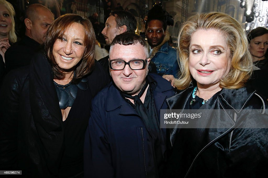 Fashion Designer <a gi-track='captionPersonalityLinkClicked' href=/galleries/search?phrase=Alber+Elbaz&family=editorial&specificpeople=783481 ng-click='$event.stopPropagation()'>Alber Elbaz</a> pose between <a gi-track='captionPersonalityLinkClicked' href=/galleries/search?phrase=Catherine+Deneuve&family=editorial&specificpeople=123833 ng-click='$event.stopPropagation()'>Catherine Deneuve</a> (R) and <a gi-track='captionPersonalityLinkClicked' href=/galleries/search?phrase=Donna+Karan+-+Fashion+Designer&family=editorial&specificpeople=4206478 ng-click='$event.stopPropagation()'>Donna Karan</a> (L) after the Lanvin show as part of the Paris Fashion Week Womenswear Fall/Winter 2015/2016. Held at Ecole des Beaux Arts on March 5, 2015 in Paris, France.