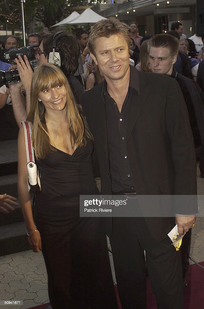 Fashion Designer Collette Dinnigan with TV presenter Richard Wilkins at the Sydney film premiere of 'The Lord of The Rings The Two Towers'